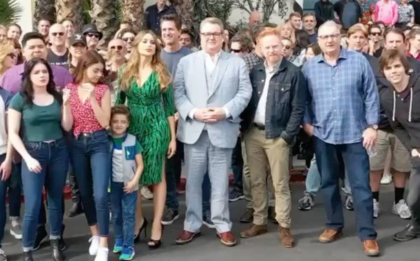 Modern Family Stars Say Goodbye to Show and Share Photos of Last ...