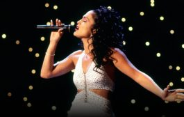 Selena: 11 Behind-The-Scenes Facts About The Jennifer Lopez Movie...