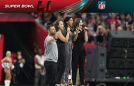 Hamilton Cast Members Perform America the Beautiful at Super Bowl...